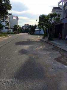 Nhà đất Bình Dương giá rẻ cần bán gấp đất nền mặt tiền ,đường nhựa thông kinh doanh